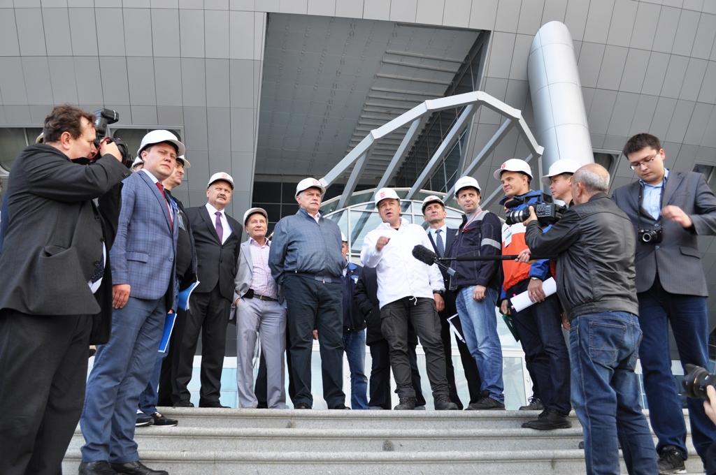 Губернатор проинспектировал строительство стадиона на Крестовском острове