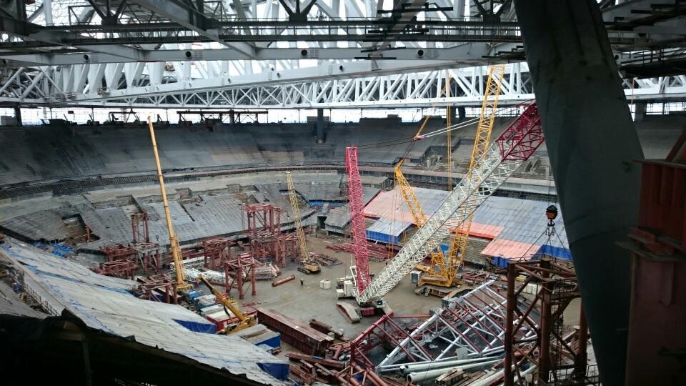 «Инжтрансстрой-СПб» завершил демонтаж временных опор и приступил к монтажу раздвижной части крыши стадиона на Крестовском острове